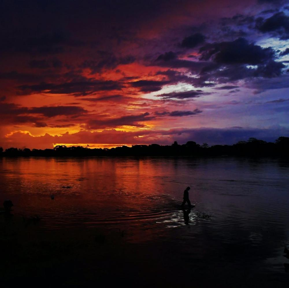 Brésil : Coucher de soleil à Pantanal